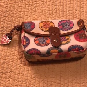 Dooney and Bourke Small crossbody